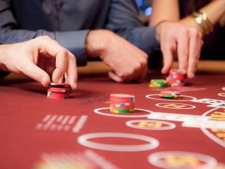 How to play casino table games?